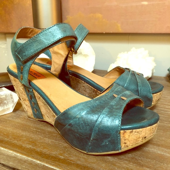 b02731f2ed71 Miz Mooz Yogi Dark Teal Wedges shoes Size 7. M 5bac2f99534ef908f09220c2